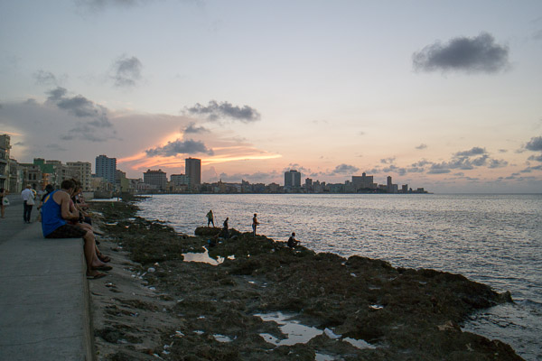 Habana Vieja - sunset Malecon
